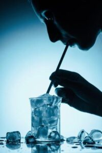 Purificador de Água Europa Summer: 3 litros/hora de água gelada.